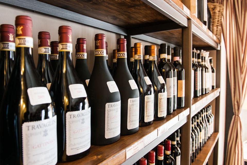 Selezione di vini dell'Alto Piemonte disponibile presso l'enoteca della Brioska